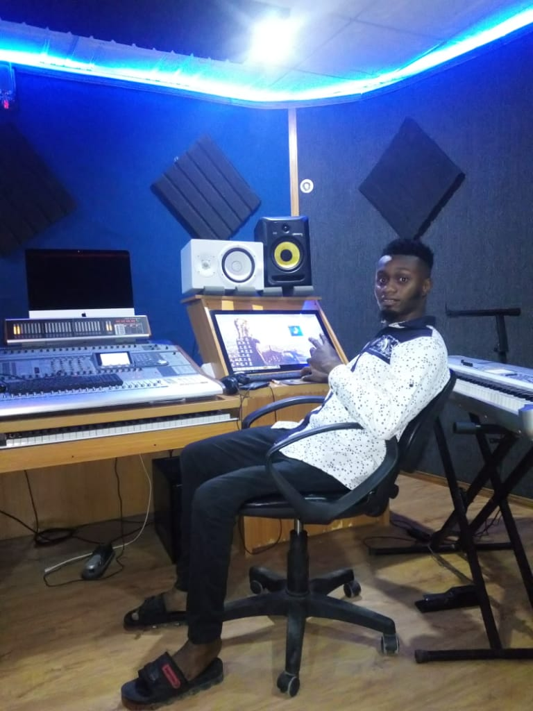"""UP CLOSE WITH MUSIC PRODUCER """"MICKY GEE"""" (FULL GIST)"""